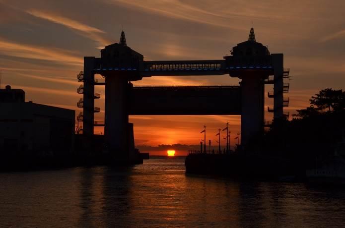 沼津港の水門